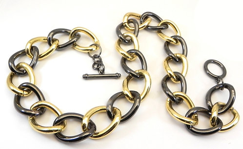 """Chunky & Light News Anchor Woman's 2-Tone 18"""" Link Toggle Necklace"""