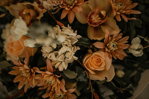 full luxurious, innovative florals inspired by the beauty of nature