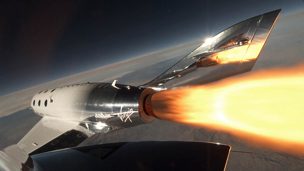 Virgin Galactic SpaceshipTwo beim Start