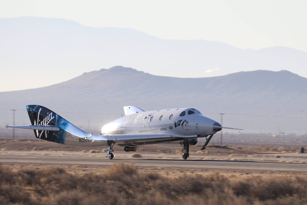 Virgin Galactic SpaceshipTwo Landeanflug