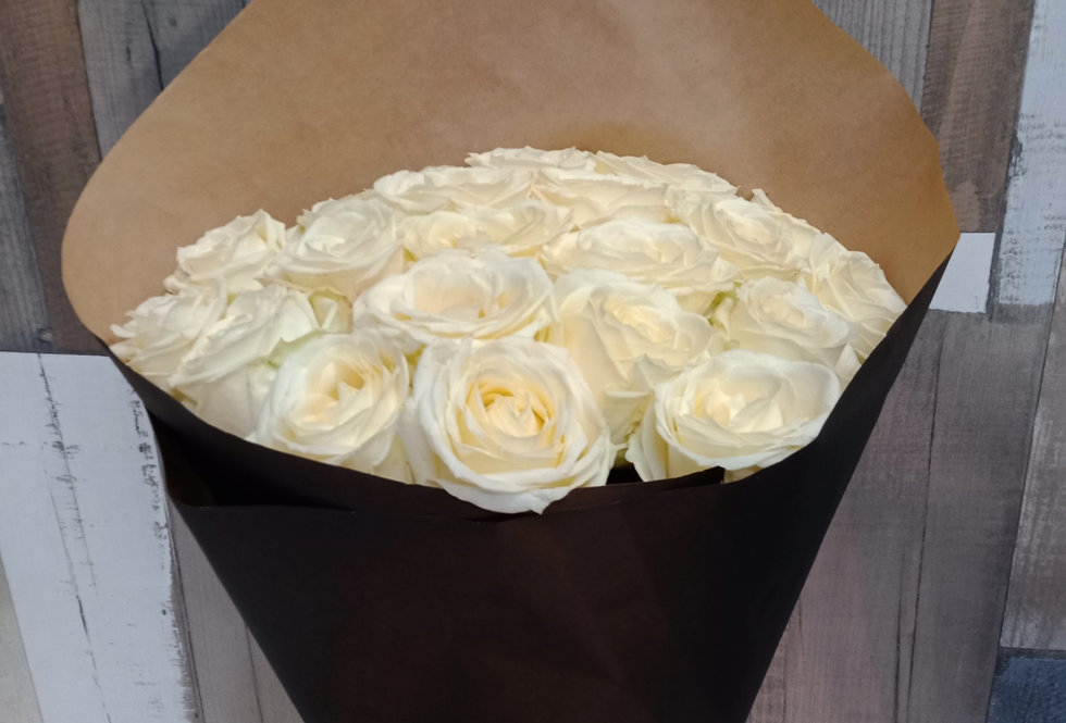 Белые розы 21шт