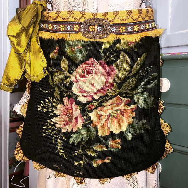 Marie silhouette needlepoint shoulder st