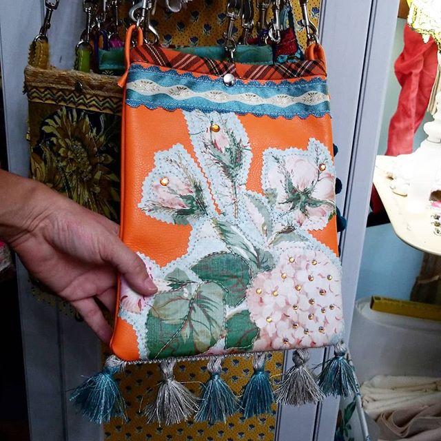 Olivia - Small Crossbody Bag