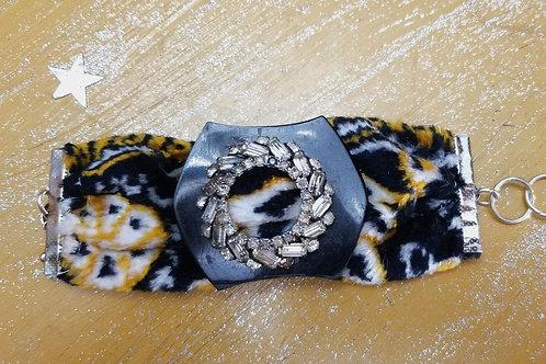 Fabric buckle cuff