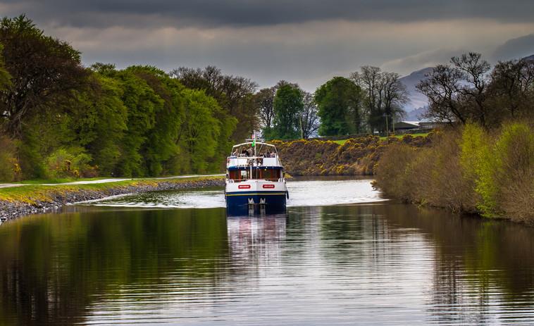 Spirit of Scotland approaching Gairlochy