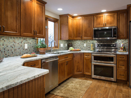 3 Advantages of Custom Cabinets When Designing Your Kitchen
