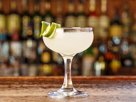Um copo cheio de história: saiba mais sobre o rum