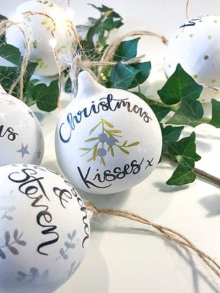 Christmas Kisses Bauble - Single