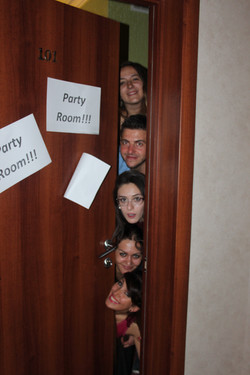 +Day 6_Party romm