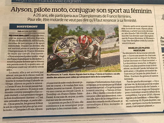 LE PARISIEN PILOTE MOTO FEMME IDF.jpg