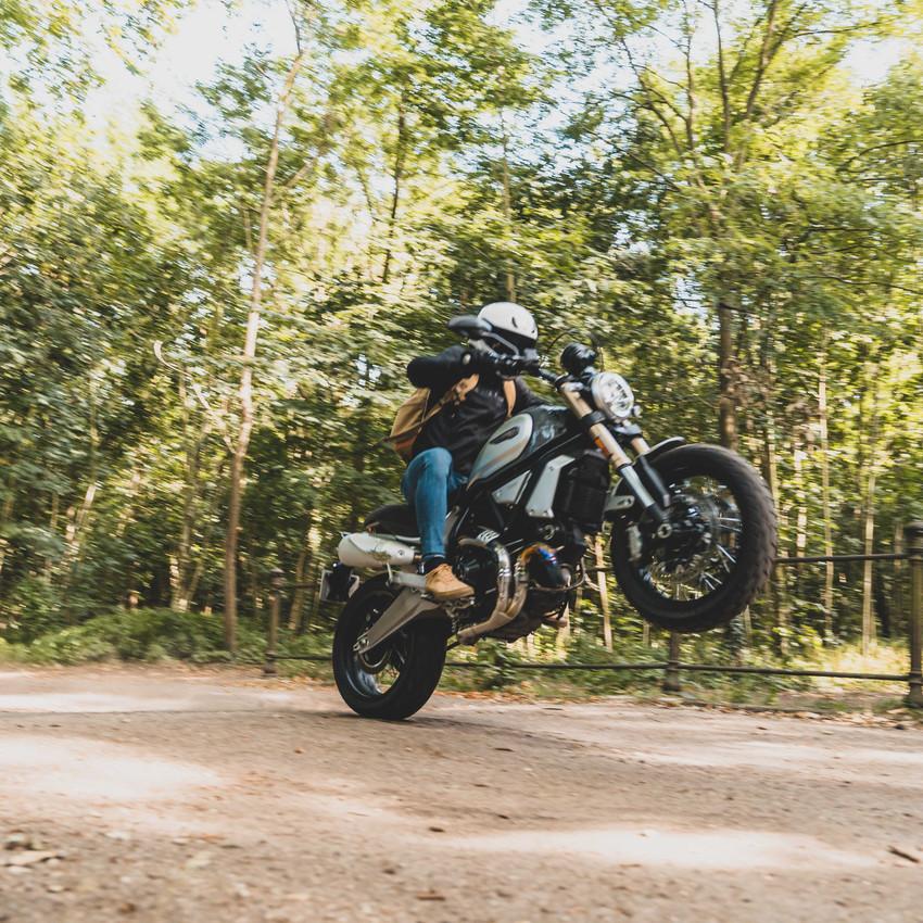 blod moto au féminin