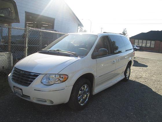 2005 Chrysler Mobility Van - $8,999