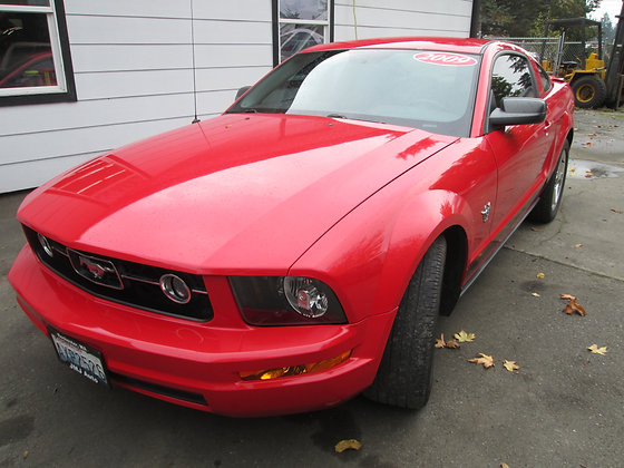 2009 Ford Mustang  2D Coupe