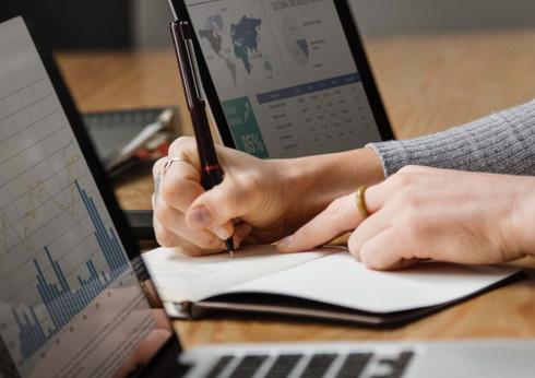 Website Header - Data & Advanced Analyti