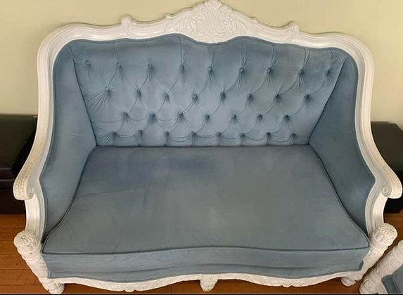 BLUE VELVET VICTORIAN LOVE SEAT