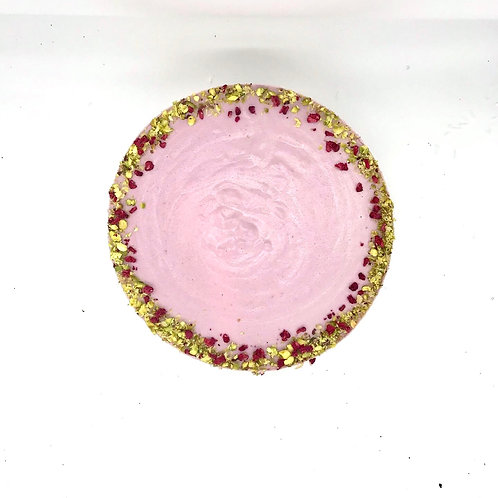 RAW RASPBERRY AND WHITE CHOCOLATE CAKE