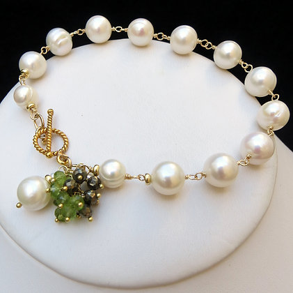 PEARL Bracelet with PERIDOT