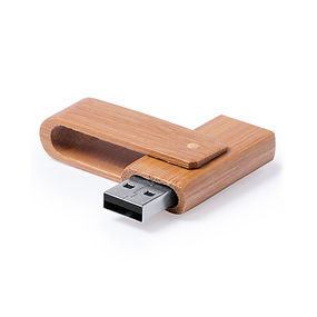 Memoria USB 16GB, con mecanismo giratorio y acabado en suave madera de bambú. Presentada en estuche individual de cartón reciclado