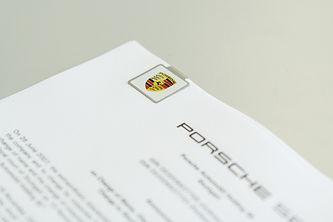 clip Porsche, promoclip Porsche, clip cuadrado, clip cuadrado Porsche, marca paginas cuadrado