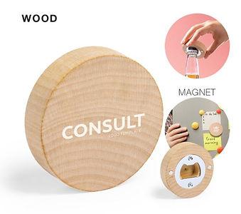 """Décapsuleur """"Kiray"""" en bois avec côté aimanté en acier inoxydable et design rond. Présentation individuelle."""