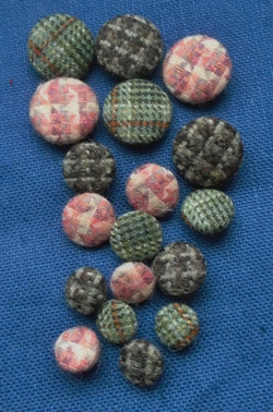 Buttons tweed 2.JPG