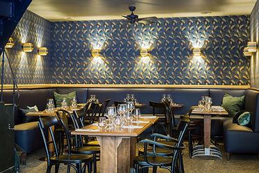 intérieur du restaurant vins des pyrénées à Paris