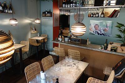intérieur de la cave à vin Magnum à Paris