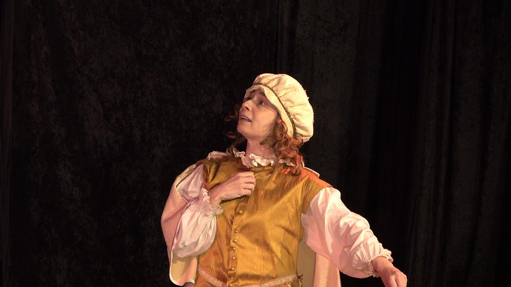 personnage de théâtre en costume, pièce les fourberies de scapin