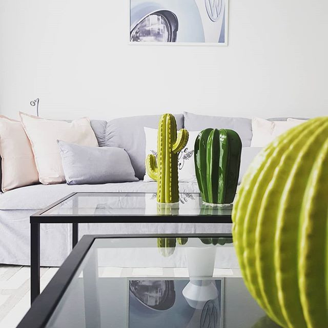 Quick home staging for an one bedroom ap
