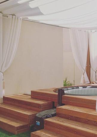 Wooden Deck around Intex Jacuzzi