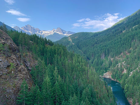 mountain-vista-with-peaks-and-river