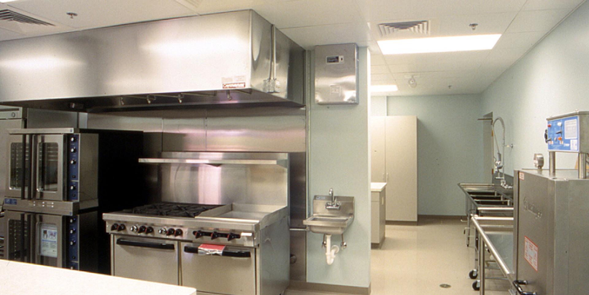 25 Kitchen (4) COPY.jpg