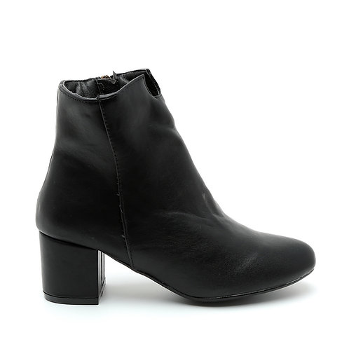 Black Soft Booties Size 32-33