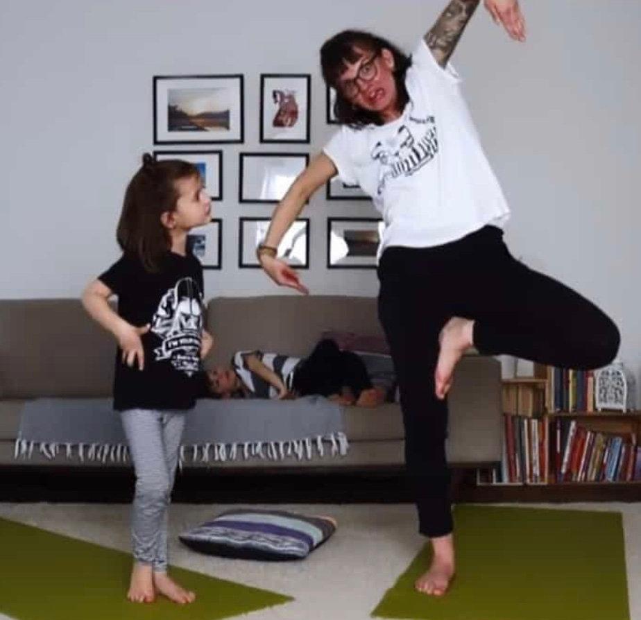 Online Fit mit Kind Yoga