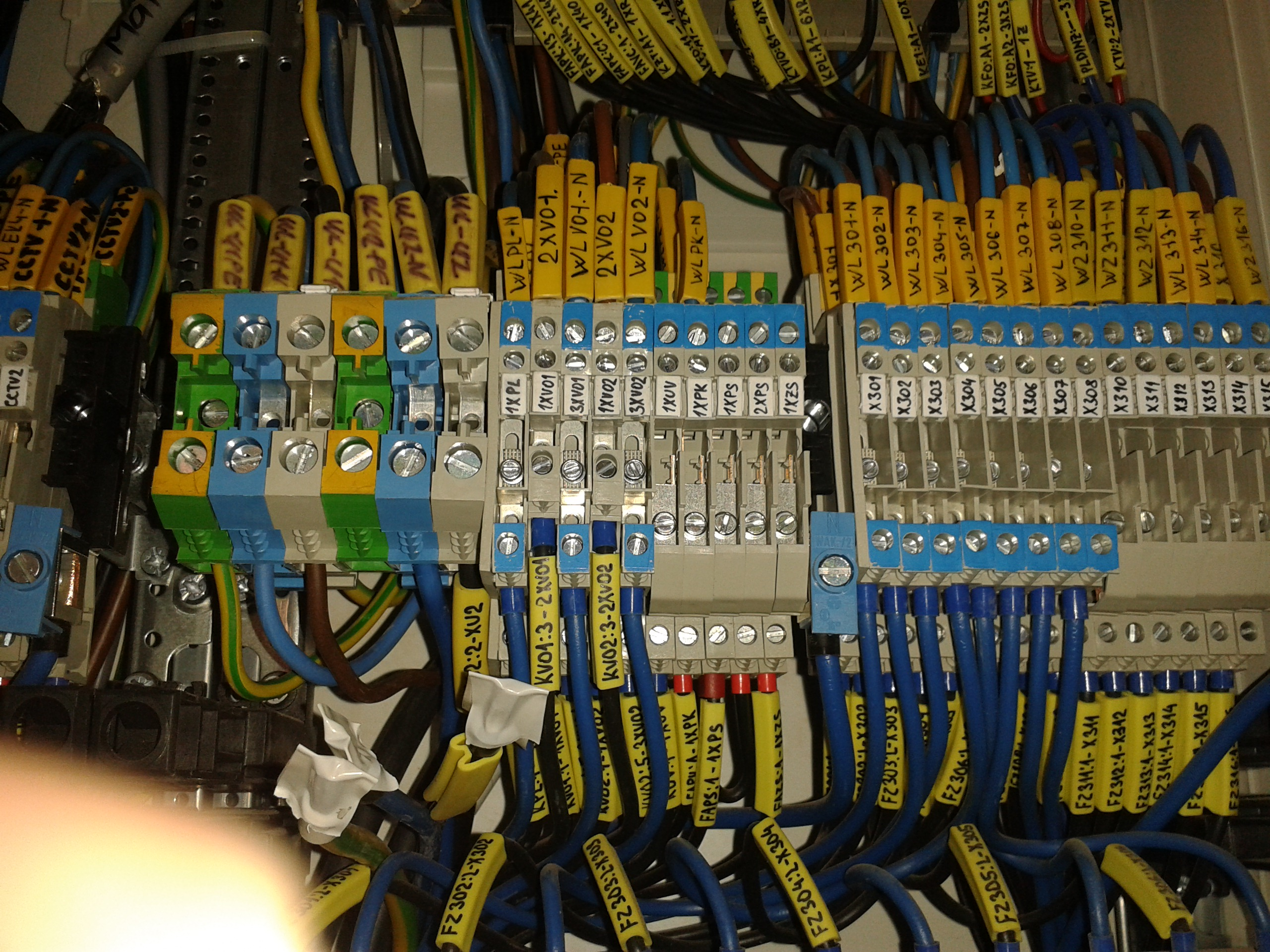 priemyslene haly elektroinstalacia