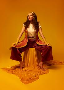 Artiste : Sarah Maison Stylisme : Yasmine Odalisque Make up : Le Menestrel