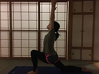 yoga pose, anjyaneyasana, crescent pose, Yokohama yoga, English yoga, ヨガ