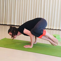 yoga pose, side crow pose, power yoga, vinyasa yoga, Yokohama yoga, English yoga, ヨガ