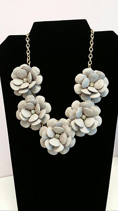 Gray Flower Necklace Set