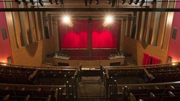 Programação de fevereiro do CINE TEATRO CUIABÁ oferece teatro, show infantil e filmes