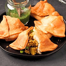 Poulet/Chicken Samosa (2 pieces)