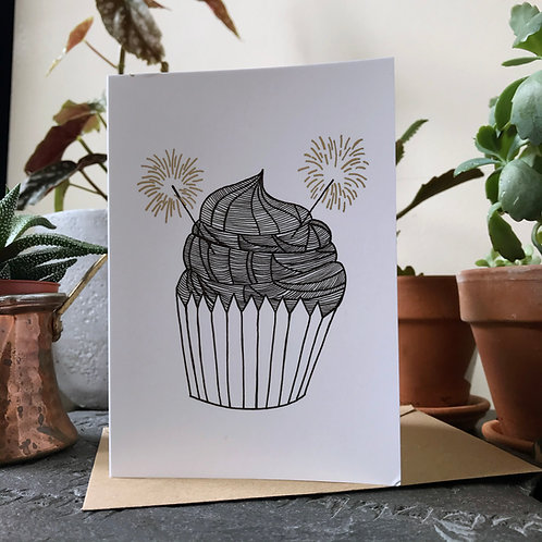 Cupcake in Gold, Black and White