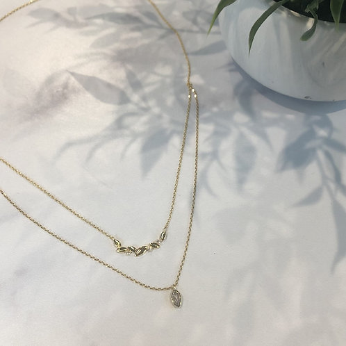 Gold Dainty Leaf Necklace