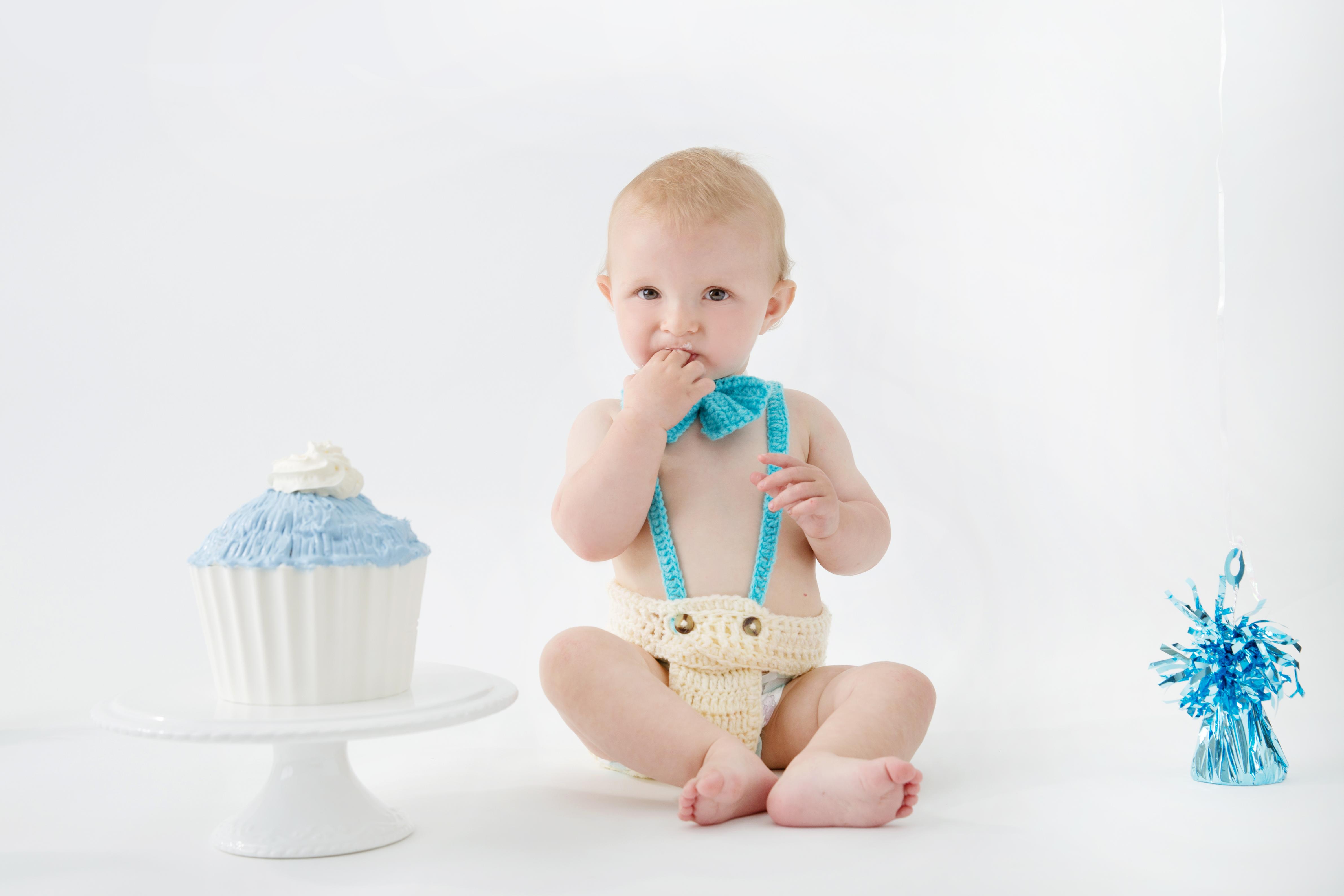 Mikael Lamber Cake Smash Photography