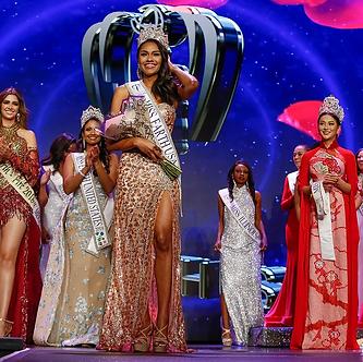 Miss Earth USA Emanii Davis Crowning.web