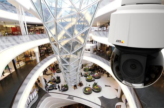 AXIS Videokamera im Einkaufszentrum