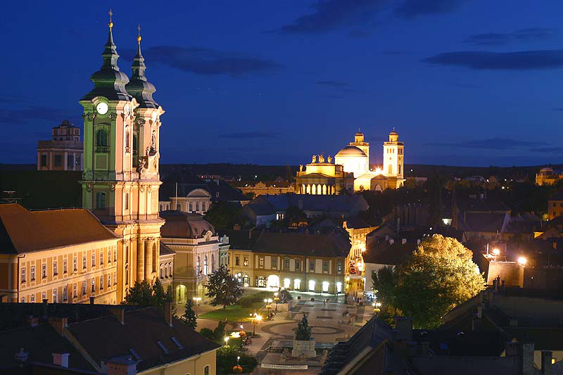 Eger at night