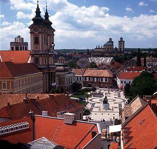 Dobo square in Eger, one of the many sights to see during your free time in between training here at ttcampshungary, table tennis training camps for players of all standards.