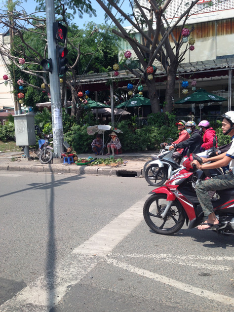 Motorbikes, motorbikes - a lesson in crossing the street in HCMC