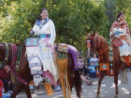 התהלוכה המסורתית של שבט הCrow